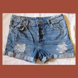 H&M High-Waisted Shorts Size 10